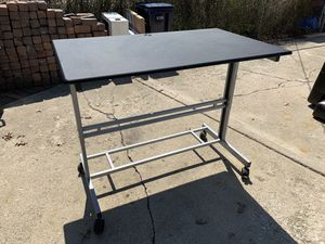 Stand Up Desk! 28.5 x 47.25 Adjustable for Sale in Oak Park, IL