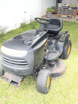 Tractor Poulan Pro for Sale in Miami,  FL