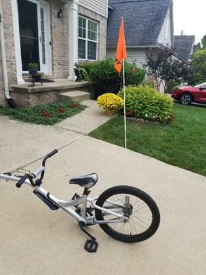 Giant Half Wheeler Trailer Bike for Sale in Ann Arbor, MI