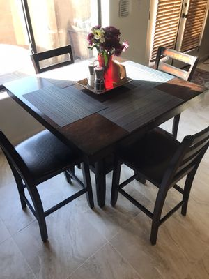 Living Spaces Dark Wood Table & Chairs (4) for Sale in Phoenix, AZ