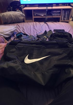 Nike duffle bag for Sale in Denver, CO