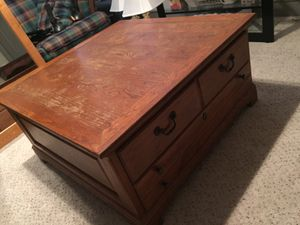 Coffee Table for Sale in Carrollton, TX