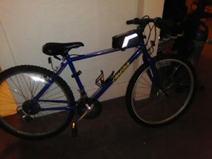 Specialized bike $100 for Sale in Tacoma, WA