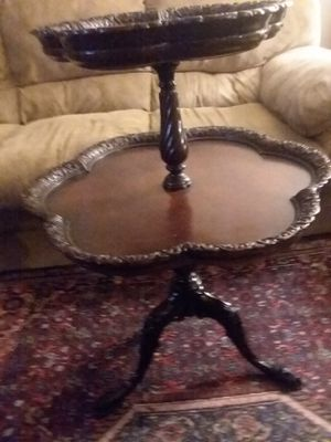 Two tiered round table for Sale in Glenshaw, PA