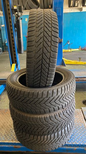 215/55/17 rugged tires for Sale in Edgewater, MD