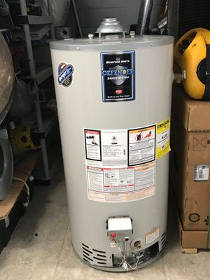 Water heater for Sale in Aspen Hill, MD