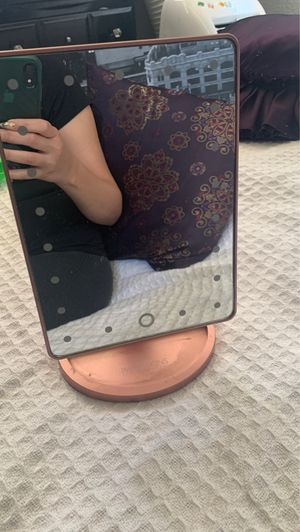 Makeup mirror from impressions vanity please no low ballers! for Sale in Rialto, CA