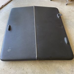 2001-2005 Ford Explorer Sport Trac Tonneau Cover Oem for Sale in Katy, TX