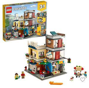 LEGO CREATORS TOWNHOUSE AND PET SHOP for Sale in Sacramento, CA