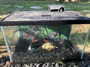 10 Gallon Aquarium/Fish Tank with Accessories for Sale in Round Rock, TX