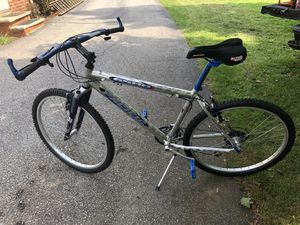 Mountain bike for Sale in Seven Hills, OH