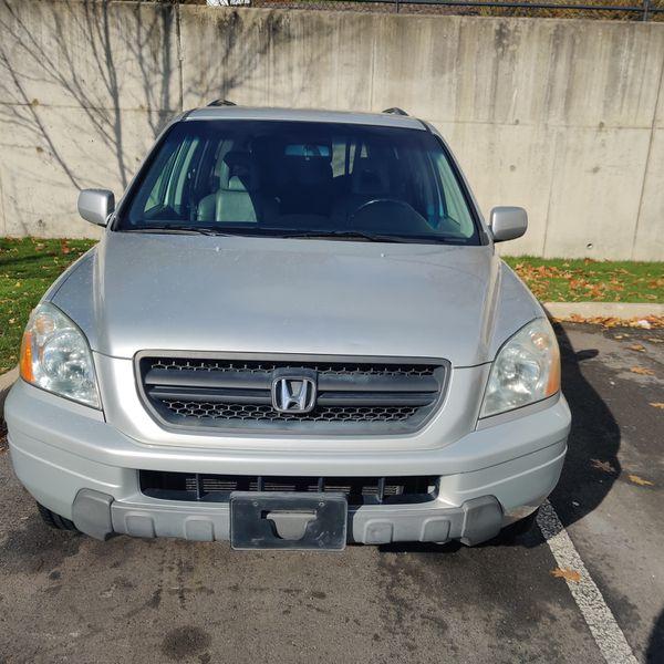 Honda Pilot mint condition all wheel drive