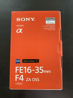 Sony lens 16-35 f4 looks new with everything that comes with it. for Sale in Miami, FL