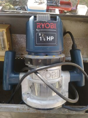 Roybi 1 1/2 hp router for Sale in Wichita, KS