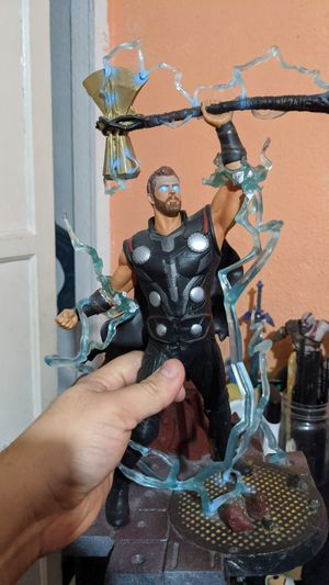 Thor infinity war statue for Sale in Compton, CA