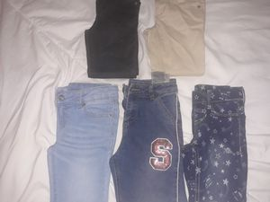 Assorted girls pants in 5T for Sale in Schaumburg, IL