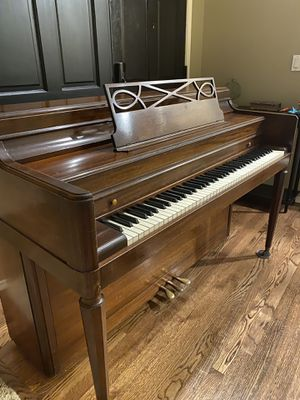 Free piano for Sale in Lynnwood, WA