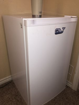 Great condition Mini fridge for Sale in Las Vegas, NV