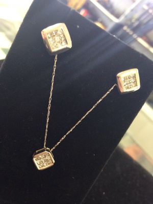 14kt Diamond Earring and Necklace set for Sale in Houston, TX