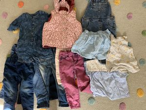 Lot of 12 piece girls clothes size 2T for Sale in Fullerton, CA