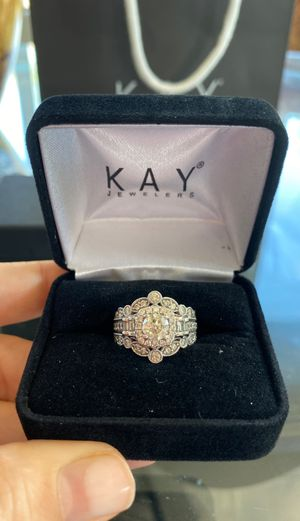 Absolutely breathtaking wedding ring! for Sale in Queen Creek, AZ