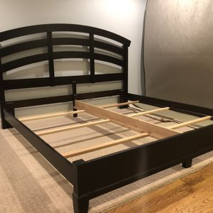 King size Bed Frame for Sale in Medina, WA