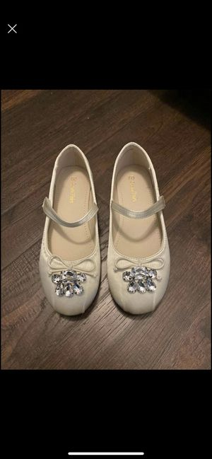 Kids dress shoes (ivory) size 2 for Sale in Sewickley, PA