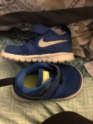 5 pairs infant shoes sizes 3 and 4 for Sale in Tamarac, FL