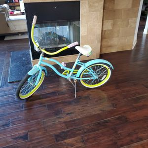 Girls Beautiful Huffy Cruiser Bike for Sale in Orland Hills, IL