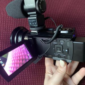 Ai Techny- 4K Camcorder For Vlogging for Sale in Seattle, WA