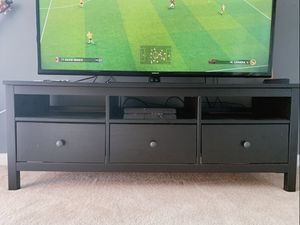 TV stand for sale, great quality and condition. Like new. for Sale in St. Louis, MO
