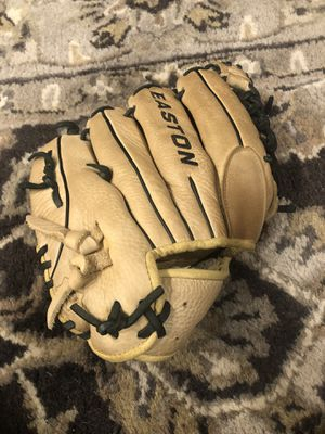 Baseball glove for Sale in Des Plaines, IL