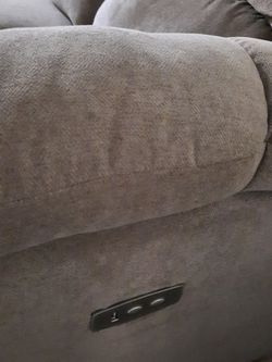 Used Reclining Sofa In Excellent Condition for Sale in Dallas,  TX