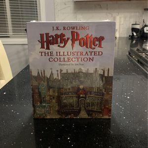 J.K ROWLING Harry Potter .( The Illustrated Colección for Sale in Rowland Heights, CA