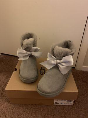 100% Authentic Brand New in Box UGG Gita Bow Mini Boots / Color: Grey / Women size 8 for Sale in Pleasant Hill, CA