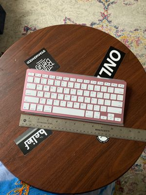 Wireless Bluetooth Keyboard in Pink for Sale in Queens, NY