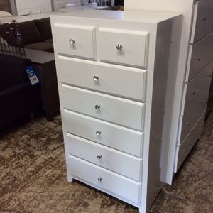 New Solid Wood 7 Drawer Chest With Crystal Knobs for Sale in Downey, CA
