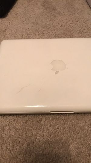 Apple MacBook 2009. for Sale in Raleigh, NC