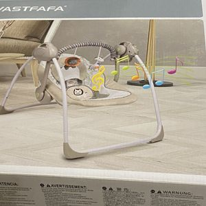 PORTABLE BABY SWING for Sale in Lynnwood, WA