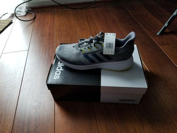 Adidas running shoe (100% brand new)