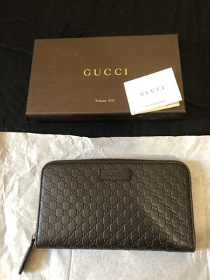 Gucci leather micro gg Guccissima zip wallet for Sale in Grand Terrace, CA