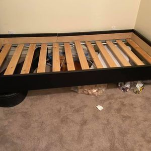 Free Twin Bed for Sale in Monroe, WA