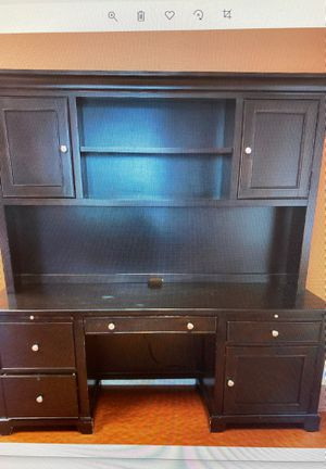 Hutch and table desk for Sale in Fresno, CA