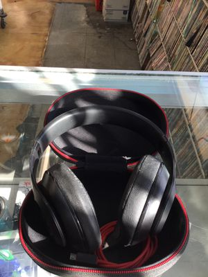 Beats studio wireless black in case for Sale in San Diego, CA