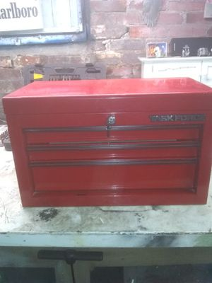 Task force 3 drawer tool box. for Sale in Lynn, MA