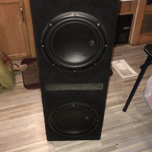 2/10w3 Jl Audio Subwoofers W/ported Box for Sale in Lakeside, CA