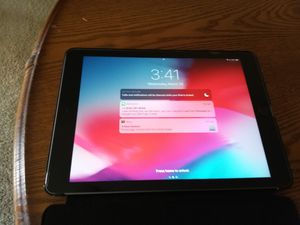 9.7 in 2018 iPad for Sale in MONTGOMRY VLG, MD