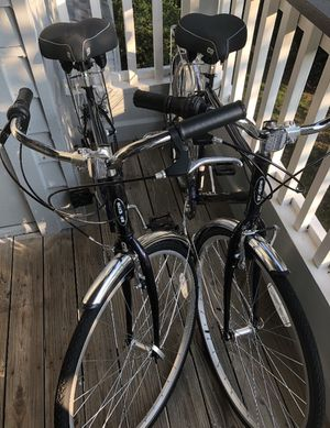 Schwinn bicycles with car mount/tire pump/like new for Sale in Annapolis, MD