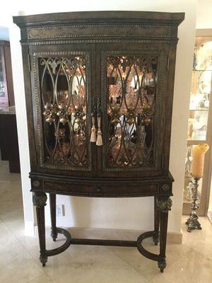 Elegant wood curio/vitrine for Sale in Davie, FL