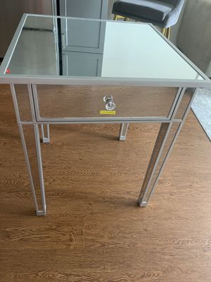 PERFECT ALL GLASS/MIRROR NIGHT STAND (LIKE NEW) for Sale in Washington, DC